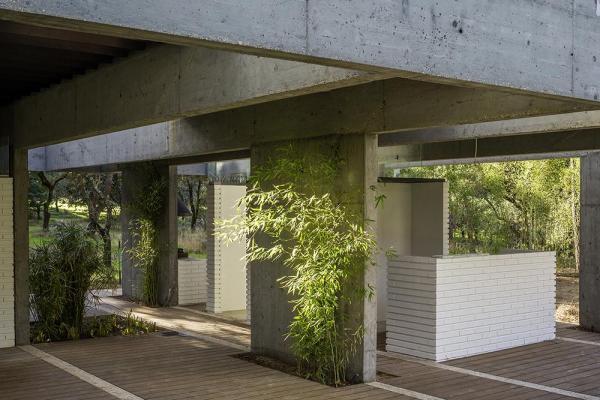 Image Courtesy © Karres en BrandsFRPO RODRIGUEZ & ORIOL ARCHITECTS