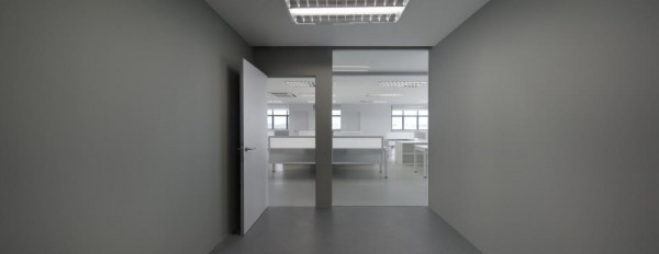 GREY rooms line the WHITE Open Office, Image Courtesy © Jeremy San Tze Ning