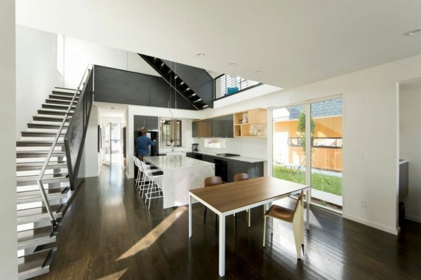 556-Kitchenview 1, Image Courtesy © Raleigh Architecture Company
