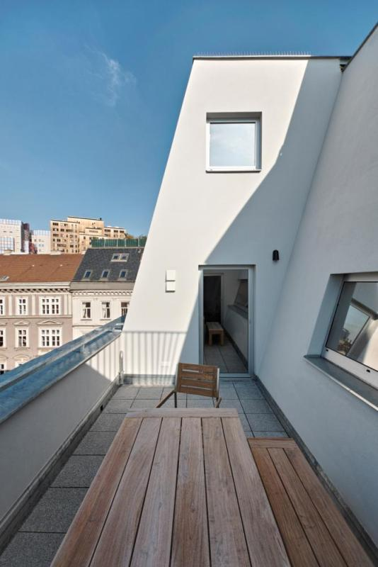 cut-in private terraces, Image Courtesy © Roland Krauss