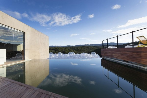 Landscape view from the pool deck, Image Courtesy © Gabriel Castro