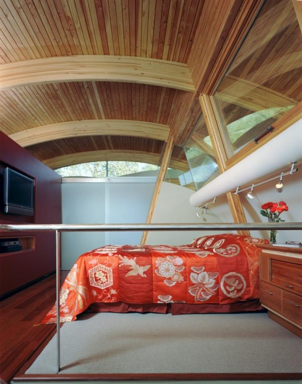 A view from the stairs to the Master Bedroom, Image Courtesy © Robert Harvey Oshatz, Architect