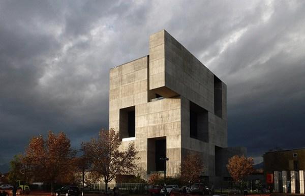 UC Innovation Center – Anacleto Angelini, 2014, San Joaquín Campus, Universidad Católica de Chile, Santiago, Chile. Photo by Nina Vidic.