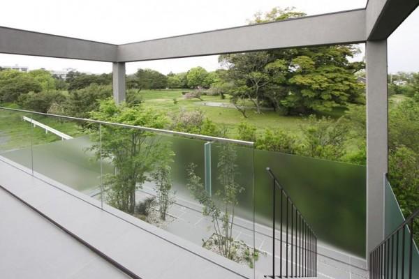 terrace and garden, Image Courtesy © Motoo Nakagawa