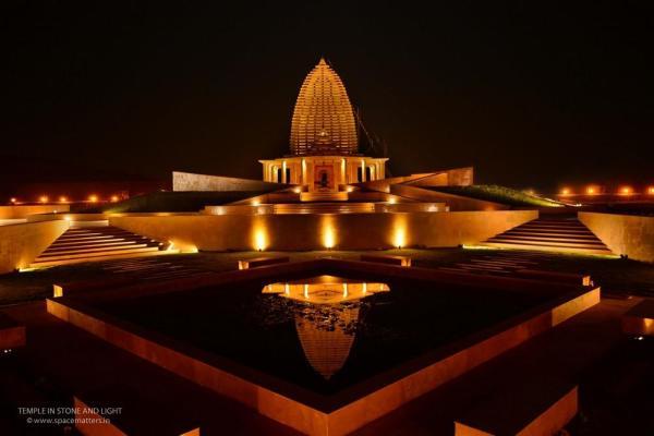 The temple at night, Image Courtesy © Akash Kumar Das