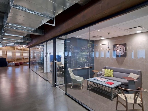 diverse collaboration spaces, Image Courtesy © Eric Laignel
