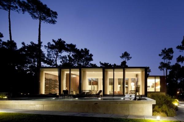 Image Courtesy © FG+SG - fotografia de arquitectura
