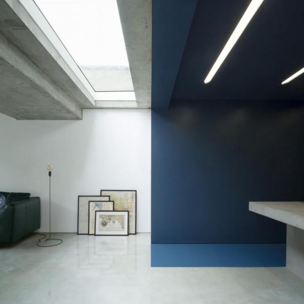 Kitchen & Living area, Image Courtesy © Ben Blossom