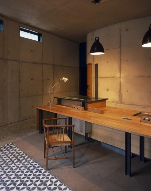 Cooking table to kitchen House A, Image Courtesy © Hélène Binet