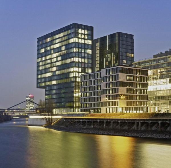 Design hotel hyatt regency in dusseldorf germany by slapa - Architekten in dusseldorf ...