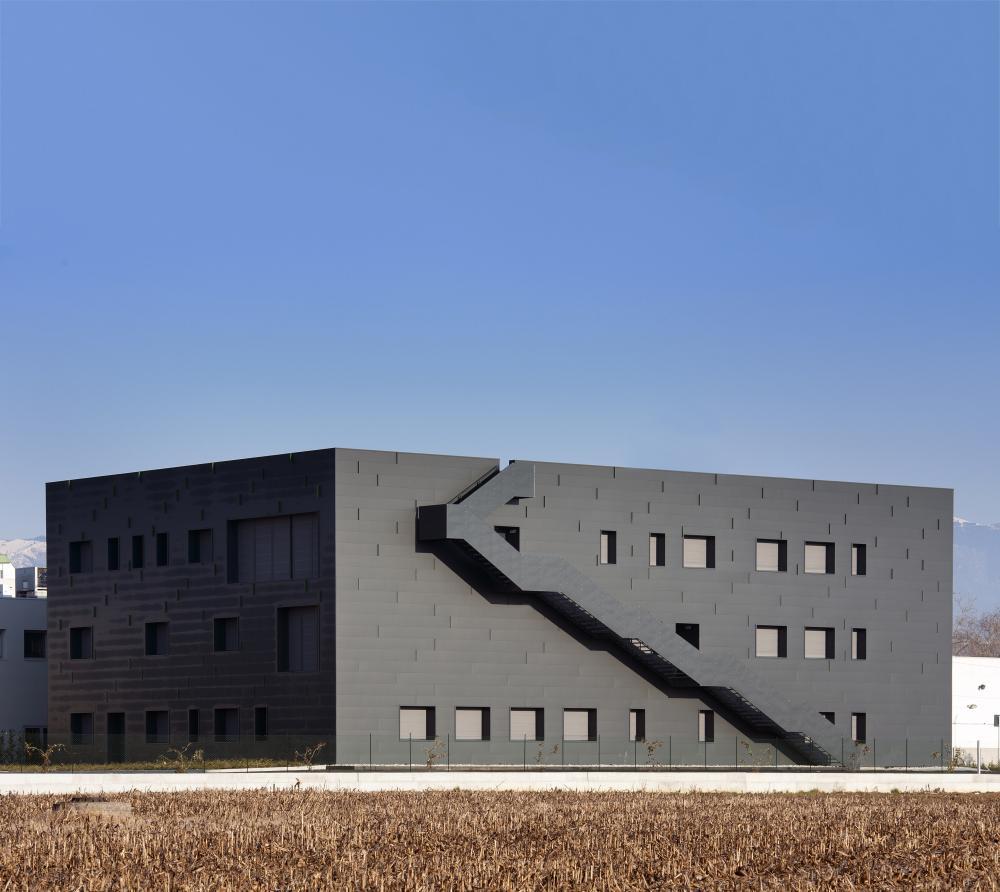 Centro Di Medina Private Clinic In Conegliano Italy By Mario
