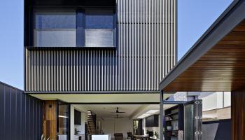 Warrandyte Riverside in Australia by Adie Courtney Architect