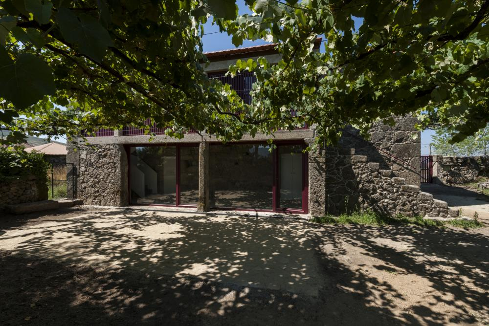 Coura House In Paredes De Coura Portugal By Luis Peixoto