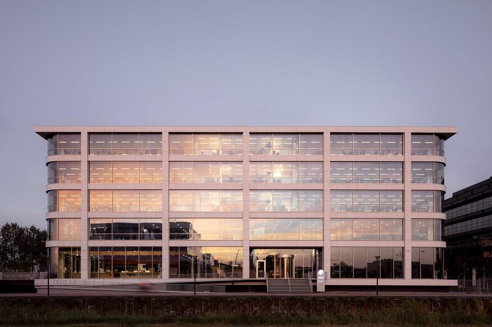 sostén Sin sentido .  Danone's new head office in Hoofddorp, The Netherlands by