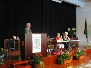 Förbundsordförande Lars Oscarsson inleder förhandlingarna och hälsar kongressens gästföreläsare välkomna.