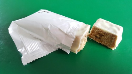 Lipotrim maintenance caramel bar opened