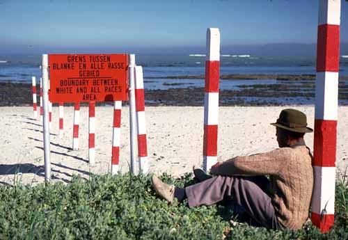 [Image: A segregated beach in South Africa, 1982. (UN Photo# 151906C)]