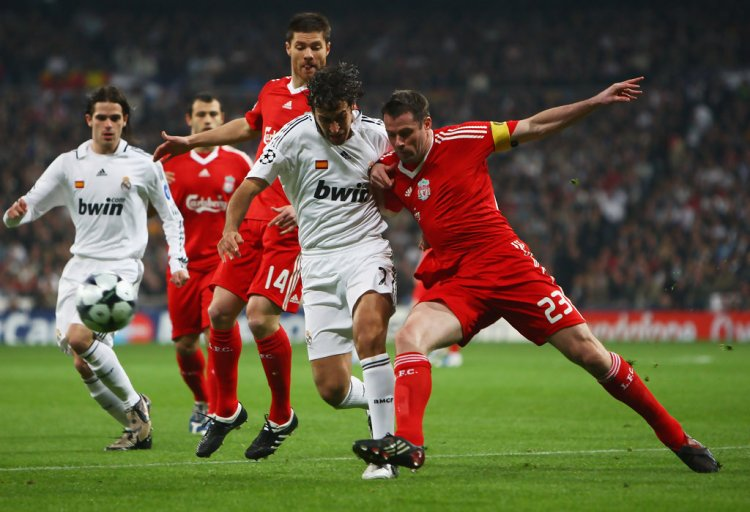 Xabi Alonso, Jamie Carragher, Raul - Real Madrid v ...