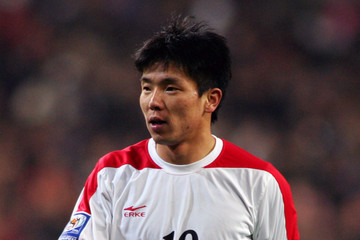 https://i0.wp.com/www2.pictures.gi.zimbio.com/South+Korea+v+North+Korea+2010+FIFA+World+5j08gpvTCahm.jpg?w=640