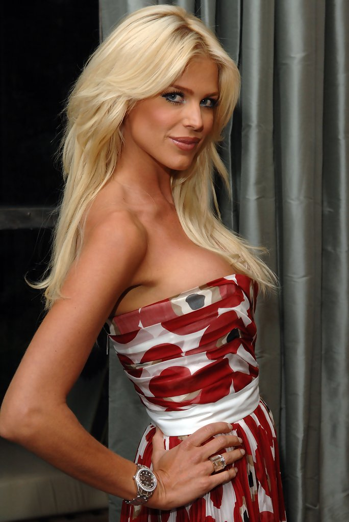 Victoria Silvstedt Photos Photos  Veronica Webb Hosts