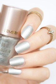 matte silver nails - year's