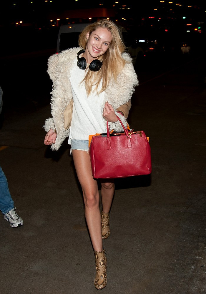Candice Swanepoel Leather Tote Candice Swanepoel Looks