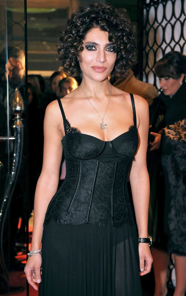 Caterina Murino Short Curls  Caterina Murino Looks
