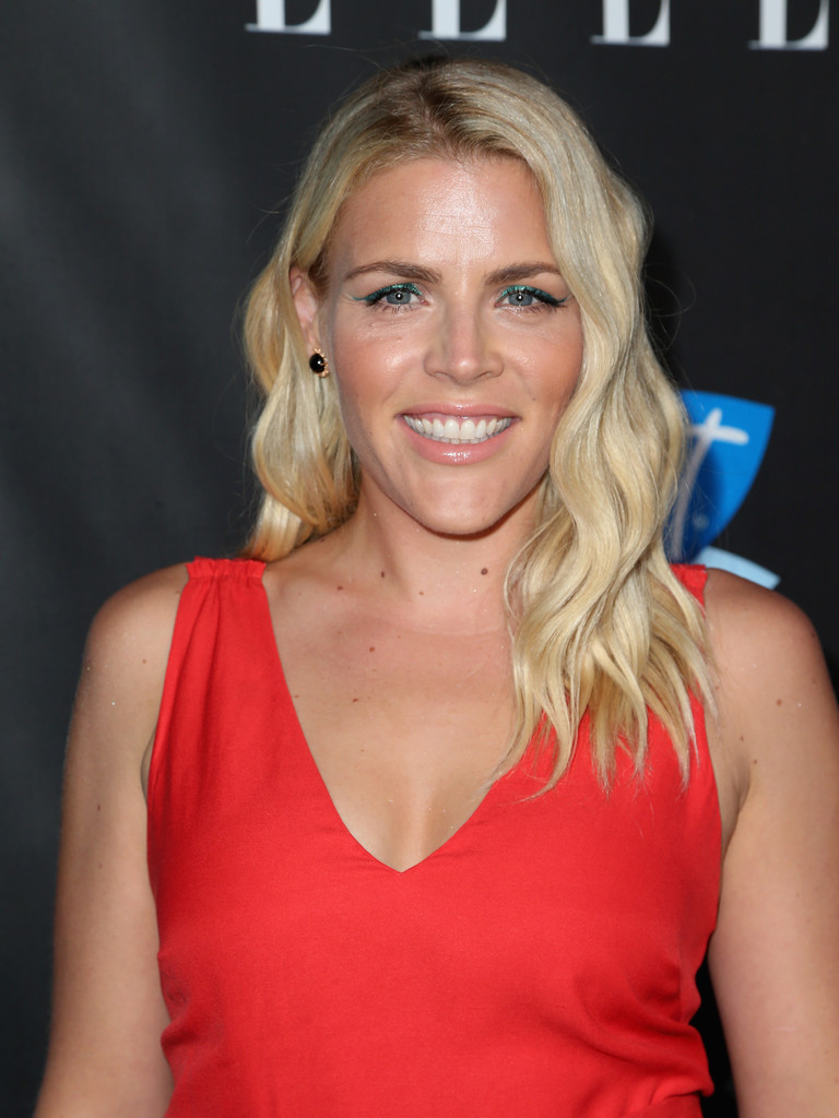 Busy Philipps Medium Wavy Cut Shoulder Length Hairstyles