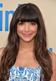 hannah simone long wavy cut