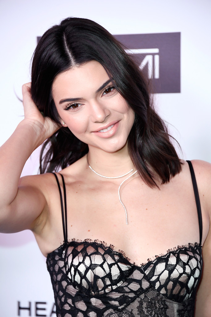 Kendall Jenner Medium Wavy Cut Kendall Jenner Looks