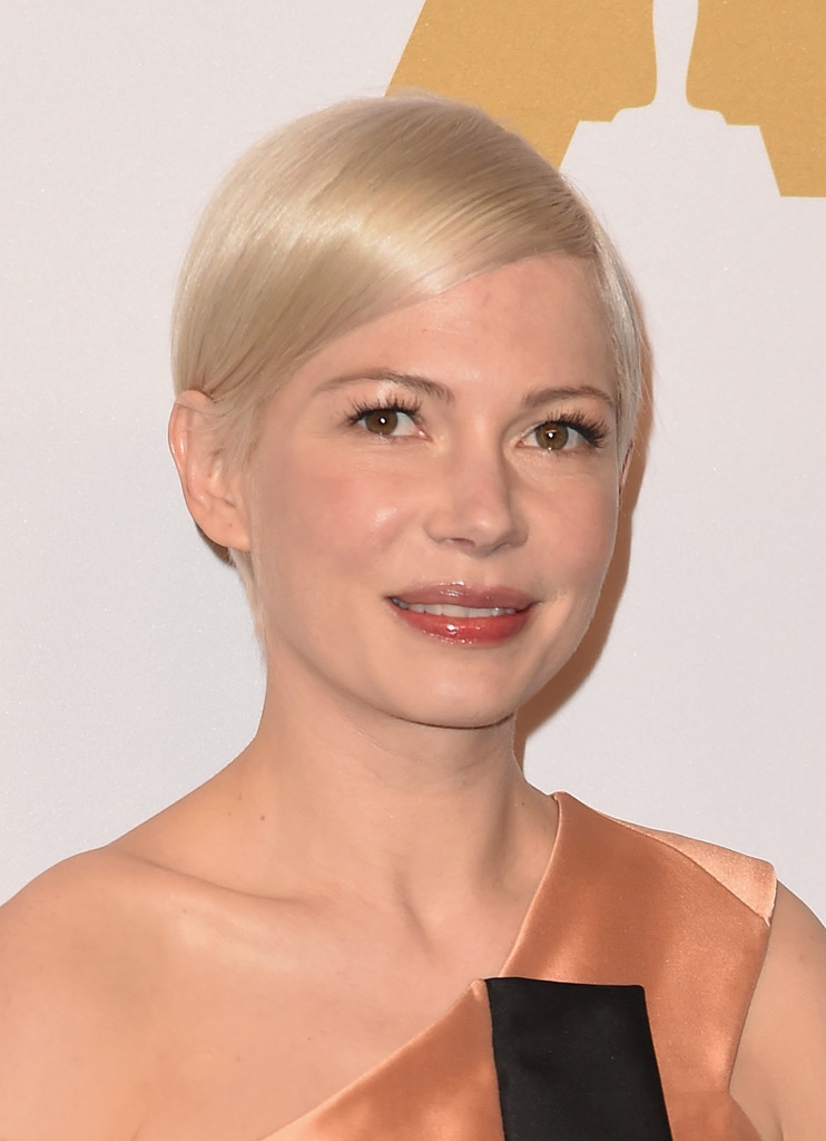 Michelle Williams Side Parted Straight Cut  Michelle Williams Short Hairstyles Lookbook