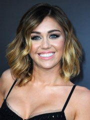 shoulder length hairstyles miley