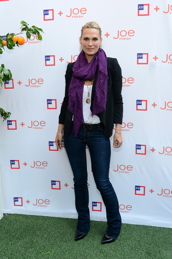 Molly Sims Classic Jeans  Classic Jeans Lookbook  StyleBistro