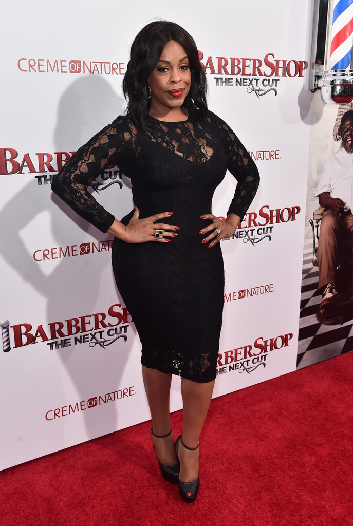 Niecy Nash Lace Dress Niecy Nash Looks StyleBistro