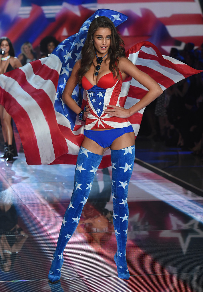 Taylor Hill  The Best Victorias Secret Show Outfits of 2015  StyleBistro