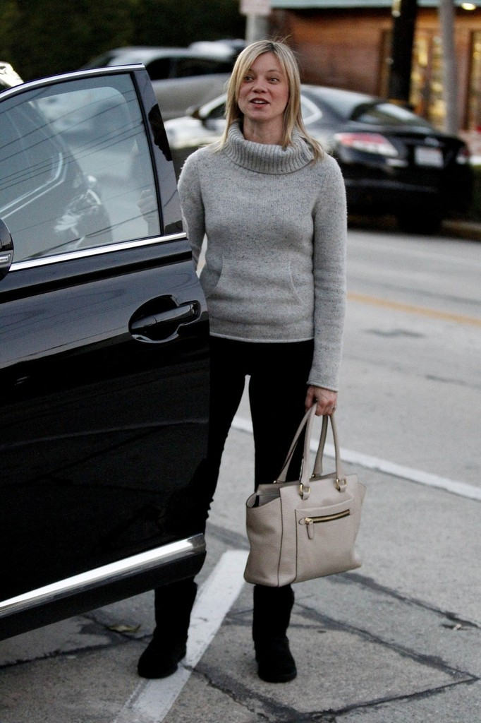 Amy Smart Leather Tote  Leather Tote Lookbook  StyleBistro