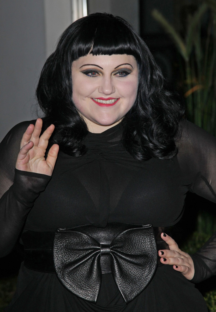 Beth Ditto Long Wavy Cut With Bangs Beth Ditto Looks