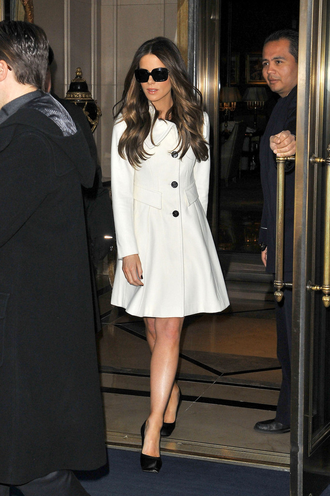 Kate Beckinsale Wool Coat Kate Beckinsale Outerwear