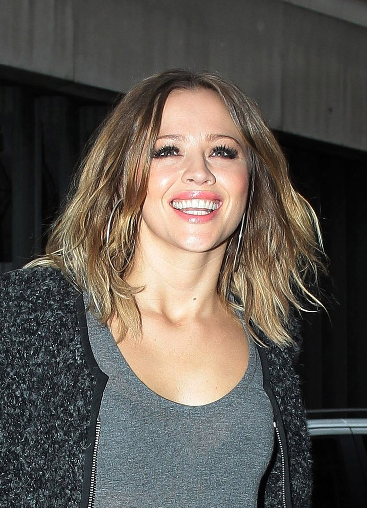 Kimberley Walsh Medium Layered Cut  Medium Layered Cut Lookbook  StyleBistro
