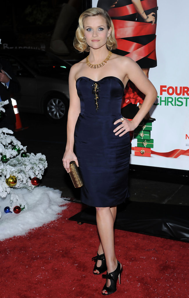 Reese Witherspoon in a navy Nina Ricci dress