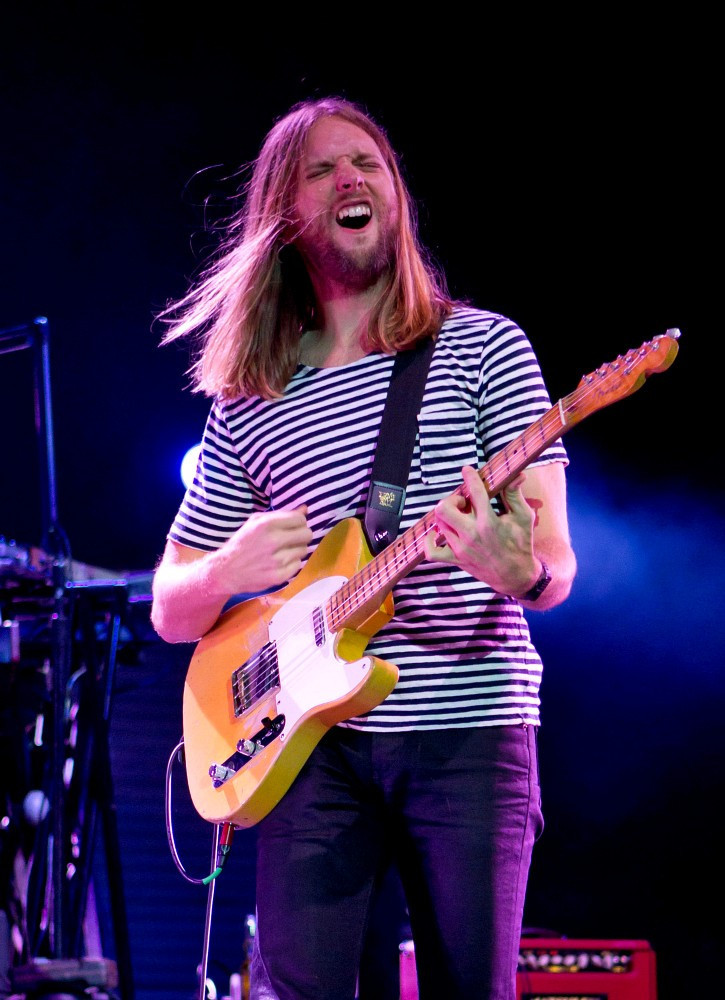 Mickey Madden In Maroon 5 Performs In Moscow Zimbio