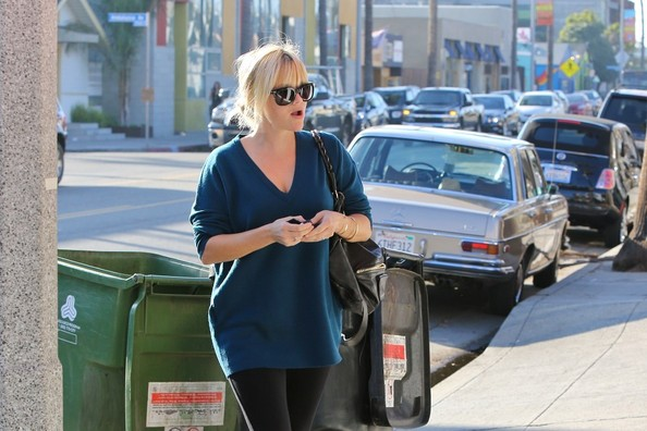 FOR USA SALES: Contact Randy Bauer (310) 910-1113 bauergriffinsales@gmail.com.FOR UK SALES: Contact Caroline 44 207 431 1598 MUST BYLINE: EROTEME.CO.UK.Reese Witherspoon went to see some friend in Venice at Halls Bar & Grill.