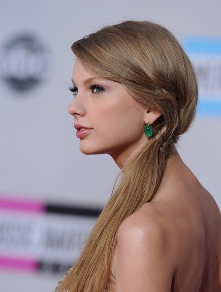 Braid of the Day: How to DIY Taylor Swift's Awards Show