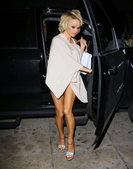 Pamela Anderson Pictures Celebrities Dine Out At Mr Chow