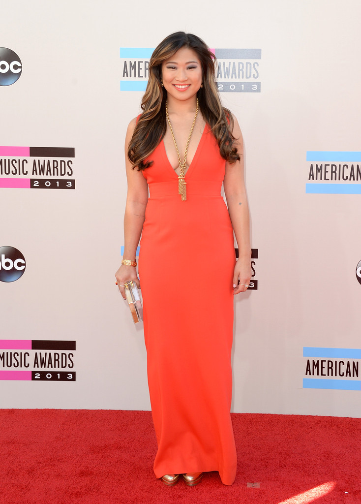 https://i0.wp.com/www2.pictures.zimbio.com/gi/2013+American+Music+Awards+Arrivals+0Mv-2synMctx.jpg