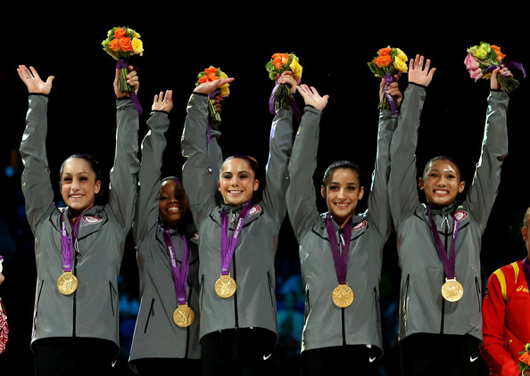 https://i0.wp.com/www2.pictures.zimbio.com/gi/Aly+Raisman+Olympics+Highlights+Day+4+Afrp9XLGy6xl.jpg