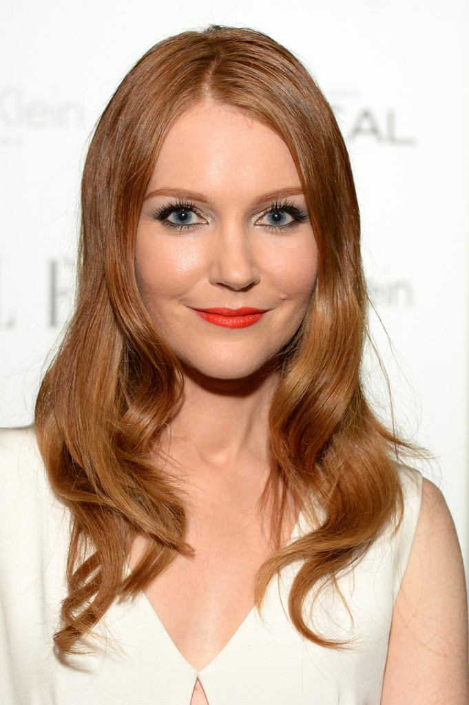 https://i0.wp.com/www2.pictures.zimbio.com/gi/Darby+Stanchfield+Cocktail+Hour+ELLE+Women+3IBoonvcW2Jx.jpg?resize=681%2C1024