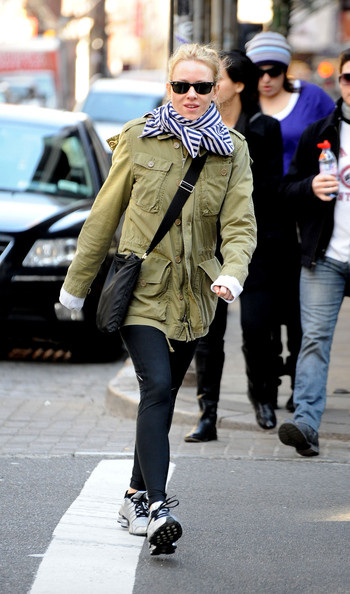 Naomi Watts walking exercise