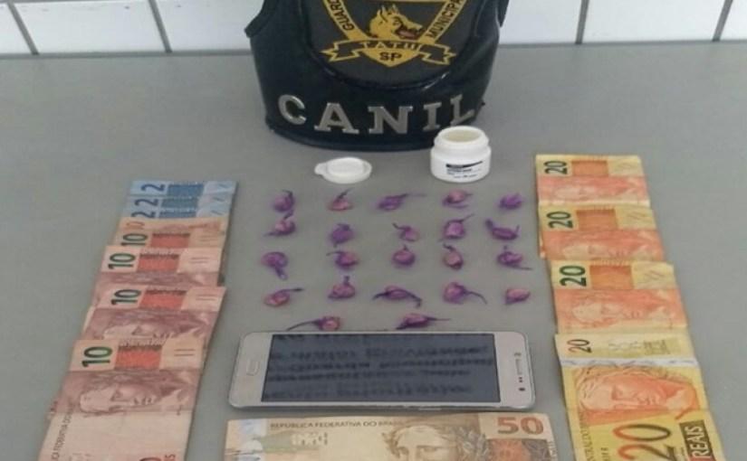 GCM PRENDE JOVEM DE 18 ANOS DE IDADE POR TRÁFICO DE DROGAS, NO ROSA GARCIA II