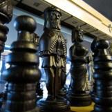 Piezas de ajedrez en el mercado de Vásárcsarnok